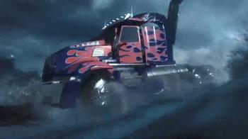 Transformers: The Last Knight Knight Armor Turbo Changers TV Spot, 'Power' - Thumbnail 5