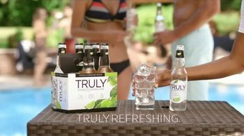 Truly Spiked & Sparkling Colima Lime TV Spot, 'Discover' - Thumbnail 9