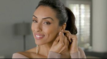 Clever Catch TV Spot, 'Lock Earrings in Place' - Thumbnail 4