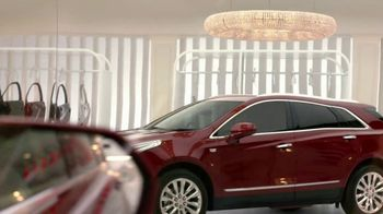 2018 Cadillac XT5 TV Spot, 'Fully Dressed' Song by Lizzo - Thumbnail 4