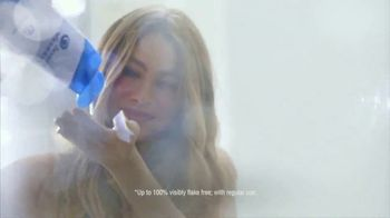 Head & Shoulders 2-in-1 TV Spot, 'Photoshoot' Featuring Sofia Vergara - Thumbnail 5