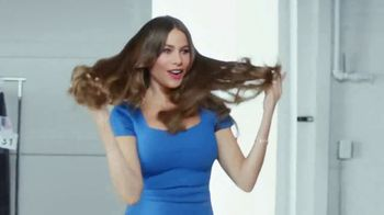 Head & Shoulders 2-in-1 TV Spot, 'Photoshoot' Featuring Sofia Vergara - Thumbnail 8