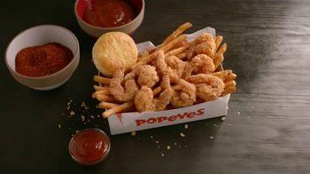 Popeyes $5 Butterfly Shrimp Tackle Box TV Spot, 'Ocho camarones' [Spanish] - Thumbnail 1