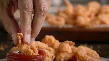 Popeyes $5 Butterfly Shrimp Tackle Box TV Spot, 'Ocho camarones' [Spanish] - Thumbnail 3
