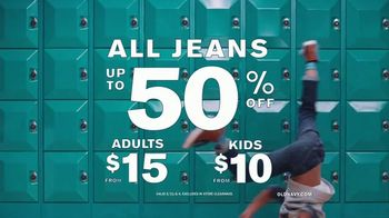 Old Navy TV Spot, '#SayHi to Denim For the Whole Fam' Song by Men$a - Thumbnail 10