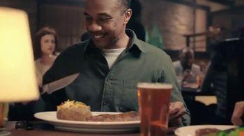 Longhorn Steakhouse Outlaw Ribeye TV Spot, 'Bone-In Bold Flavor' - Thumbnail 6