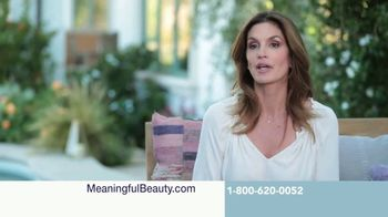 Meaningful Beauty Ultra TV Spot, 'Busy Schedule' Featuring Cindy Crawford - Thumbnail 9