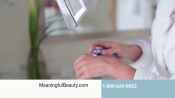 Meaningful Beauty Ultra TV Spot, 'Busy Schedule' Featuring Cindy Crawford - Thumbnail 3