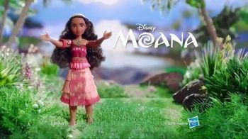 Musical Moana TV Spot, 'Singing Necklace' - Thumbnail 8