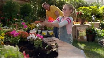 The Home Depot TV Spot, 'Make This Spring Your Spring: Mulch' - Thumbnail 6