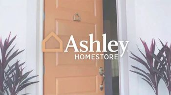 Ashley HomeStore Doorbuster Deals TV Spot, 'Before They're Gone' - Thumbnail 2