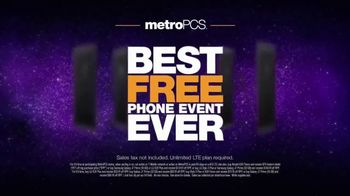 MetroPCS Best Free Phone Event Ever TV Spot, 'Say Cheese' - Thumbnail 8