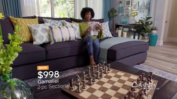 Ashley HomeStore Spring into Style Sale TV Spot, 'Bring Home the Savings' - Thumbnail 4