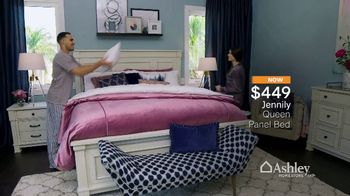Ashley HomeStore Spring into Style Sale TV Spot, 'Bring Home the Savings' - Thumbnail 7