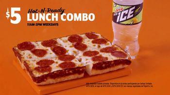 Little Caesars $4 Lunch Combo TV Spot, 'Parque de patinaje' [Spanish] - Thumbnail 8