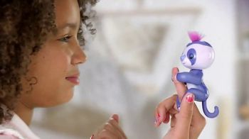 Fingerlings Purple Sloth TV Spot, 'The Silly Addition' - Thumbnail 6