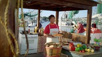 Popeyes $5 Butterfly Shrimp Tackle Box TV Spot, 'Other Guys' Seafood' - Thumbnail 1