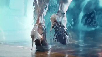 Glade Atmosphere Collection Fine Fragrance Mist TV Spot, 'Imagination' - Thumbnail 5