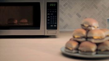 White Castle Microwaveable Cheeseburgers TV Spot, 'Gym Joke' - Thumbnail 7