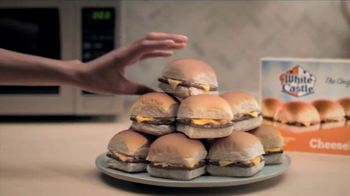 White Castle Microwaveable Cheeseburgers TV Spot, 'Gym Joke' - Thumbnail 8