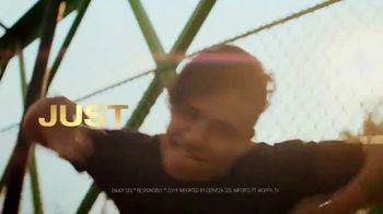 Cerveza Sol TV Spot, 'Inspired by the Sun' Song by Amandititita - Thumbnail 7