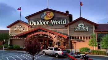 Bass Pro Shops Spring Fever Sale TV Spot, 'Mother's Day: Stand' - Thumbnail 8
