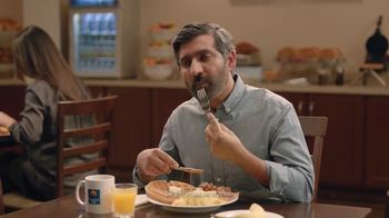 Choice Hotels TV Spot, 'Free Waffles' - Thumbnail 6