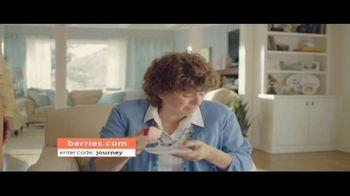 Shari's Berries TV Spot, 'Mothers' Day Parrot' - Thumbnail 4