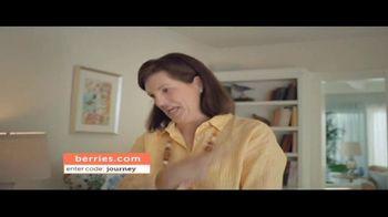 Shari's Berries TV Spot, 'Mothers' Day Parrot' - Thumbnail 5