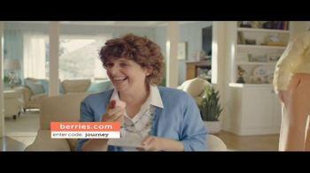 Shari's Berries TV Spot, 'Mothers' Day Parrot' - Thumbnail 8