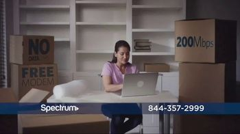 Spectrum TV, Internet and Voice TV Spot, 'Make the Move' - Thumbnail 4
