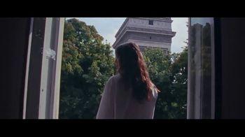 Yves Saint Laurent Beauty Mon Paris TV Spot, 'Sígueme' [Spanish] - Thumbnail 4
