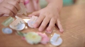 TJ Maxx TV Spot, 'Wrap Up the Perfect Gift at the Perfect Price' - Thumbnail 5