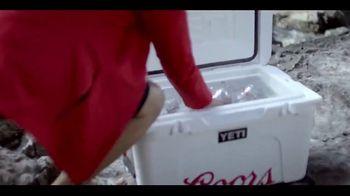 Coors Light TV Spot, 'River's Edge' [Spanish] - Thumbnail 3