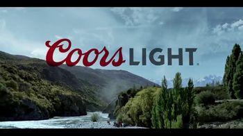 Coors Light TV Spot, 'River's Edge' [Spanish] - Thumbnail 9