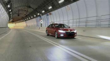 Honda Accord TV Spot, 'Univision: Admiración' con Chyno Miranda [Spanish] [T1] - Thumbnail 4
