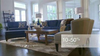 La-Z-Boy Mega Sale TV Spot, 'Cozy to Spacious' - Thumbnail 7