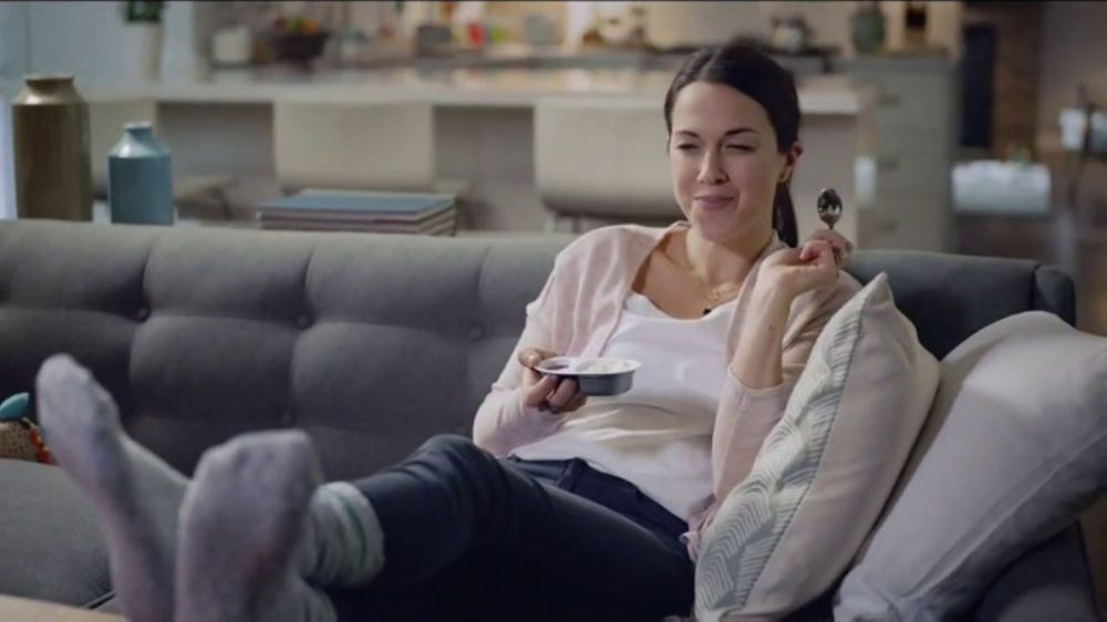 Philadelphia Cheesecake Cups TV Commercial, 'Evelyn'