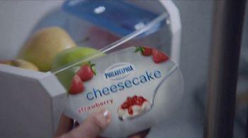 Philadelphia Cheesecake Cups TV Spot, 'Evelyn'