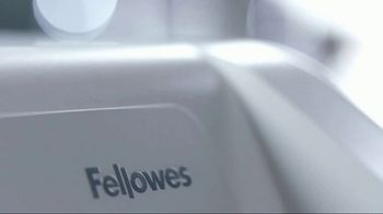 Fellowes Lotus Sit-Stand Workstation TV Spot, 'Four Generations' - Thumbnail 3