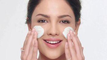 Neutrogena Deep Clean Purifying Clay Cleanser & Mask TV Spot, 'Toxins' Featuring Eiza González - Thumbnail 6
