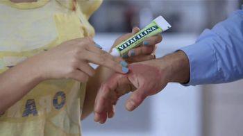 Vitacilina TV Spot, '¡A qué buena medicina!' [Spanish]