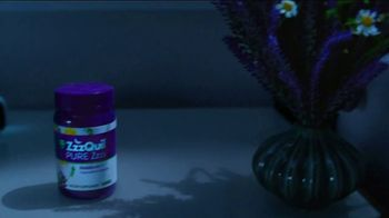 Vicks ZzzQuil PURE Zzzs Melatonin Gummies TV Spot, 'Natural Sleep Cycle' - Thumbnail 4