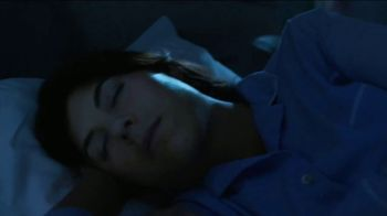 Vicks ZzzQuil PURE Zzzs Melatonin Gummies TV Spot, 'Natural Sleep Cycle' - Thumbnail 6