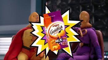Goldfish Xtra Cheddar + Pretzel Mix TV Spot, 'King Cranky' - Thumbnail 10