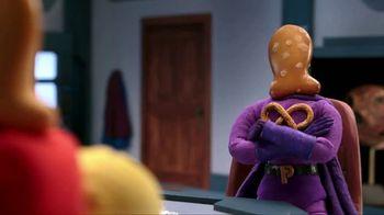 Goldfish Xtra Cheddar + Pretzel Mix TV Spot, 'King Cranky' - Thumbnail 7