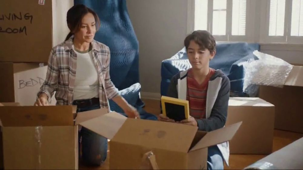 Total Wireless TV Commercial, 'Big Changes Are Hard. You Got This.'