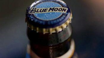 Blue Moon TV Spot, 'Rise Up Bottle SL' [Spanish] - Thumbnail 1