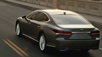 Lexus LS 500 TV Spot, 'Consquista la corona' [Spanish] [T1] - Thumbnail 4
