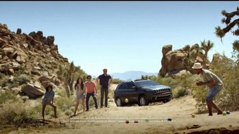 Jeep Maneja y Descubre TV Spot, '2017 Cherokee Sport' canción de Imagine Dragons [Spanish] [T2] - Thumbnail 4